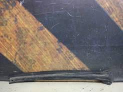 Молдинг лобового стекла Cadillac Escalade, правый