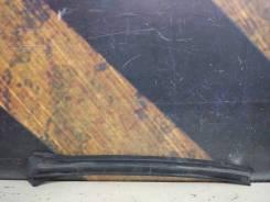 Молдинг лобового стекла Cadillac Escalade, левый