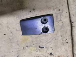 Крышка крепления подушек верхних Водная техника Yamaha 8