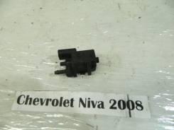 Клапан вакуумный Chevrolet Niva Chevrolet Niva 2008