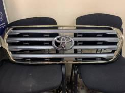 Решетка радиатора Toyota Land Cruiser #J200 -12/01