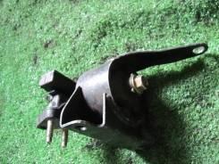 Продам Подушка двигателя правая Toyota Corolla