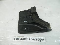 Брызговик Chevrolet Niva Chevrolet Niva 2008, правый передний