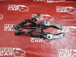 Петля крышки багажника Mazda Axela 2000 BK5P-335187 ZY-538044