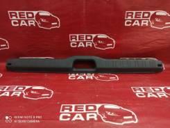 Накладка замка багажника Toyota Sprinter 1996 [5838712040] AE110-0062450 5A-C230682