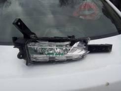 Lexus NX противотуманка правая