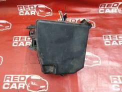 Блок предохранителей под капот Toyota Vitz 2006 KSP90-5057608 1KR-0247076