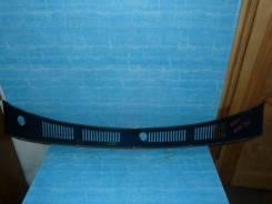 Решетка под лобовое стекло Toyota Surf, передняя