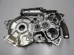 Левая часть картера Suzuki Intruder 750 VR51A