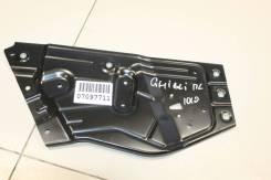 Кронштейн стеклоподъемника передней левой двери Maserati Ghibli 2013- [670105566]