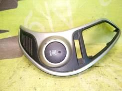 Кнопка обогрева заднего стекла Hyundai Ix35 2012 2.0 G4KD