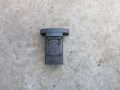 Кнопка аварийной сигнализации [8200446717] для Nissan Terrano III, Renault Duster, Renault Symbol II [арт. 214214-6]