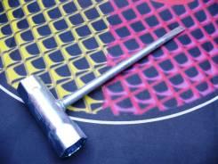 Ключ свечной 17*19 мм комбинированный c отверткой, Champion