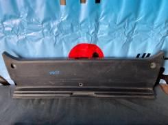 Накладка петли багажника Toyota Mark2 GX110