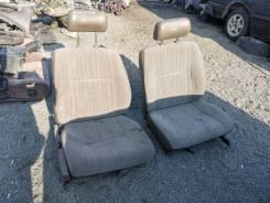 Продам комплект сидений на Nissan Bluebird VRU11