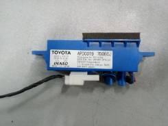Блок электронный Toyota Camry