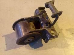 Опора двигателя (подушка двс) Mazda MPV, левая передняя