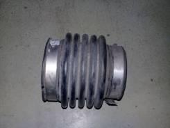 Патрубок воздушного фильтра Nissan Cefiro