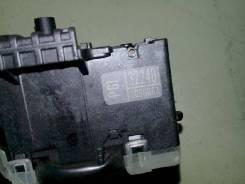 Переключатель подрулевой (света-поворотников) Toyota Ipsum, правый