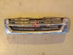 Решетка радиатора Mitsubishi Pajero