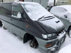 Фара Mitsubishi Delica, правая