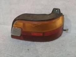 Фонарь (стоп сигнал) Toyota Starlet, правый задний