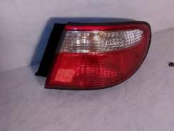 Фонарь (стоп сигнал) Mazda Millenia, правый задний