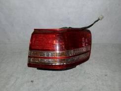 Фонарь (стоп сигнал) Toyota Mark II Wagon Qualis, правый задний