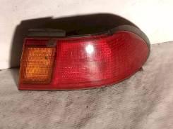 Фонарь (стоп сигнал) Nissan Sunny, правый задний