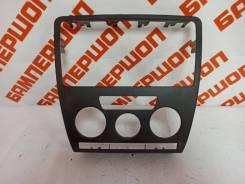 Рамка магнитолы Skoda Octavia 2 A5 04-13 2006 [1U085807] Универсал 2.0