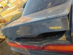 Крышка багажника Toyota Vista SV32, SV33,64401-32900