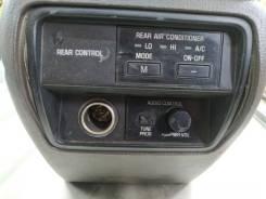 Бардачок между сиденьями Toyota Crown GS130
