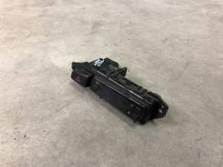 Кнопка аварийной сигнализации Toyota Carina ED Corona Exiv ST180 ST182