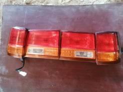 Задний фонарь, стоп сигнал Nissan Elgrand AVWE50, QD32ETI