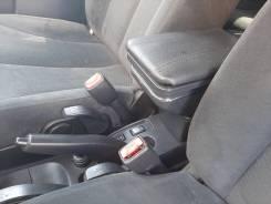 Подлокотник Nissan Tiida 2011 левый руль