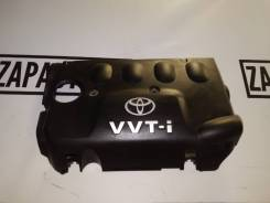 Пластиковая крышка на двс на Toyota Corolla RUNX NZE121 1NZ-FE