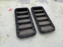 Вентиляционная решетка багажника пара Toyota Ipsum 62930-44010