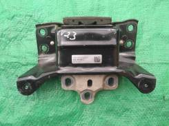 Опора двигателя левая 5Q0199555T Шкода Октавия А7