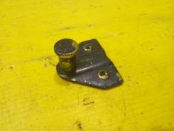 Ответная часть замка багажника Volkswagen Passat B3 1991 [321827511A] 312 1Y