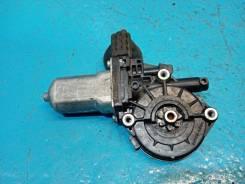 Моторчик стеклоподъёмника Toyota Rav 4 [8571035180], задний левый
