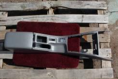 Консоль средняя, подлокотник Subaru Forester SF