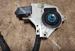 Моторчик стеклоподъемника передний правый Skoda Yeti (5L)