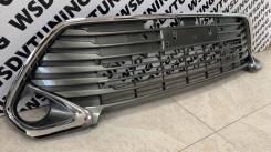 Решетка в бампер штатная Toyota Camry 55 2014-2017г