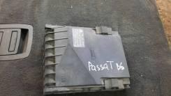Крышка блока предохранителей Volkswagen Passat B6