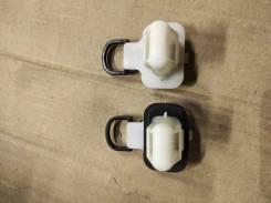 Крепление заднего сидения (пара) Infiniti FX35;45 S50