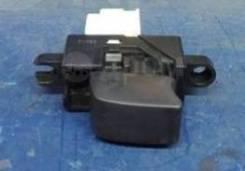 Кнопка стеклоподъемника Nissan Cefiro А32
