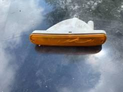 Продам повторитель поворота в бампер Nissan Laurel SC33