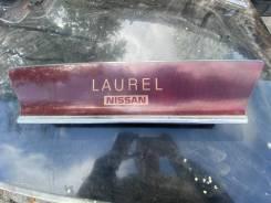 Продам стоп вставку Nissan Laurel SC33