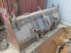 Передний ковш на экскаватор-погрузчик Volvo