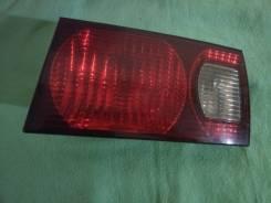 Стоп-сигнал в дверь багажника Toyota Ipsum SXM15 3S-FE